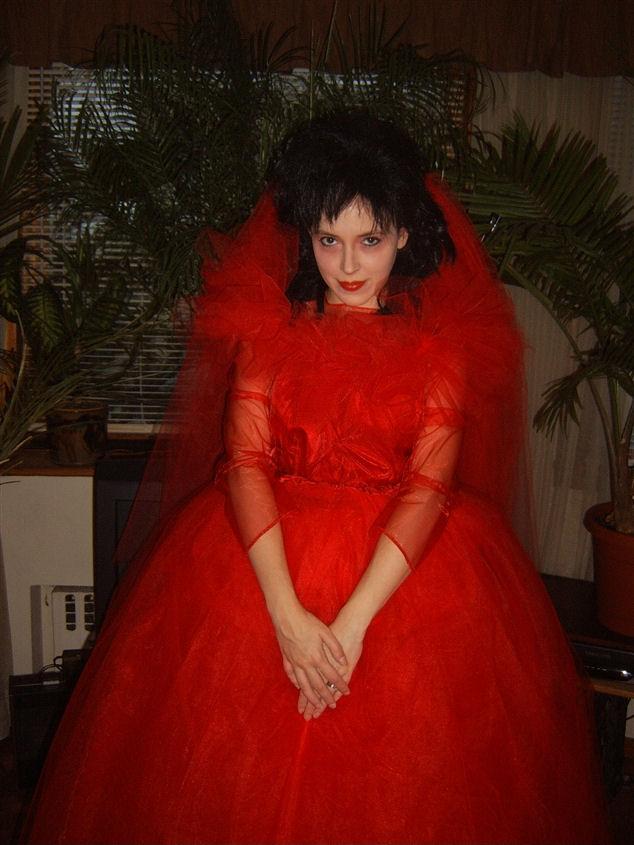 Lydia deetz for Lydia deetz wedding dress
